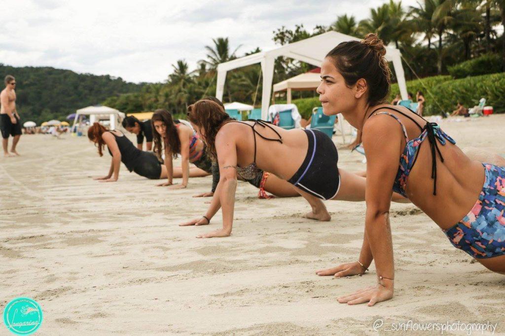Meninas treinam durante atividades da Longarina