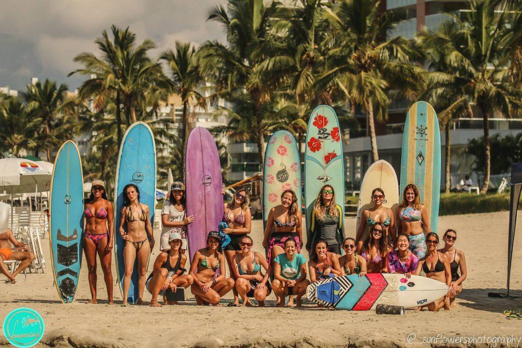 Participantes das aulas de surf da Longarina